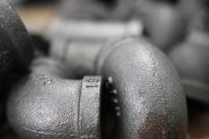 iron-1039484_1920
